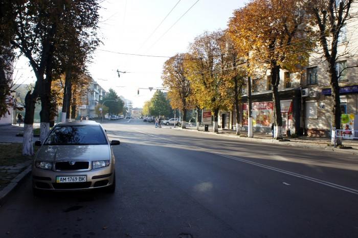 А улицы Житомира широкие, как в Николаеве. И в целом, такие же прямые. Даже не скажешь, что этому городу больше 1000 лет.