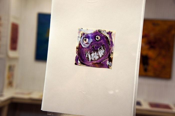 """Одно из изображений на витрине магазина продающего картины """"современного искусства"""". Такой себе, модерновый """"котэ"""""""